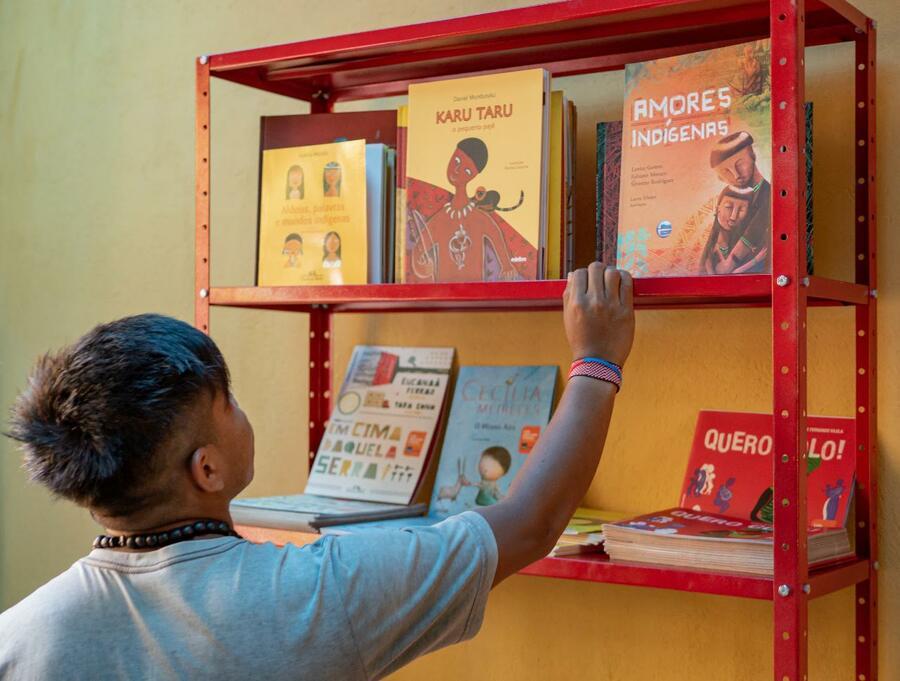 Literatura indígena será o foco da live desta quinta-feira   © Miguel Angelo / Rede Mar de Leitores de Paraty / Divulgação