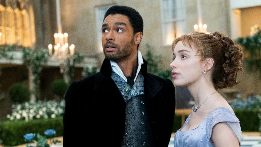 Regé-Jean Page e Phoebe Dynevor como Simon e Daphne, protagonistas da série 'Bridgerton' | © Liam Daniel / Netflix