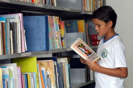Cidade mineira seleciona empresa de pequeno porte para serviços editoriais e outra cidade gaúcha abre processo para compra de livros infantis atrelada com presença de autor | © Ascom FNDE