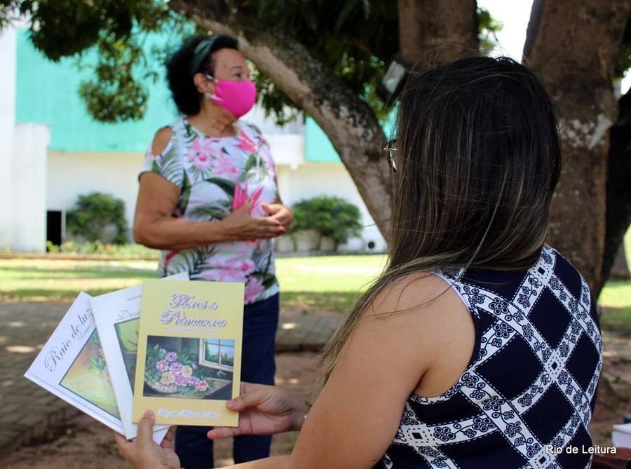 Mesmo durante a pandemia, o projeto Parnamirim, um rio que flui para o mar da leitura conseguiu criar novas ações para fazer o livro chegar aos seus públicos   © Facebook do projeto