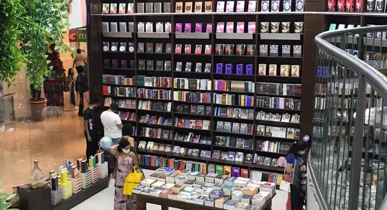 Primeiro Painel do Varejo de Livros no Brasil de 2021 aponta crescimento de 19,32% no número de exemplares vendidos, na comparação com 2020 e os livros de ficção tiveram papel importante nesse desempenho | © Divulgação - Livraria Escariz