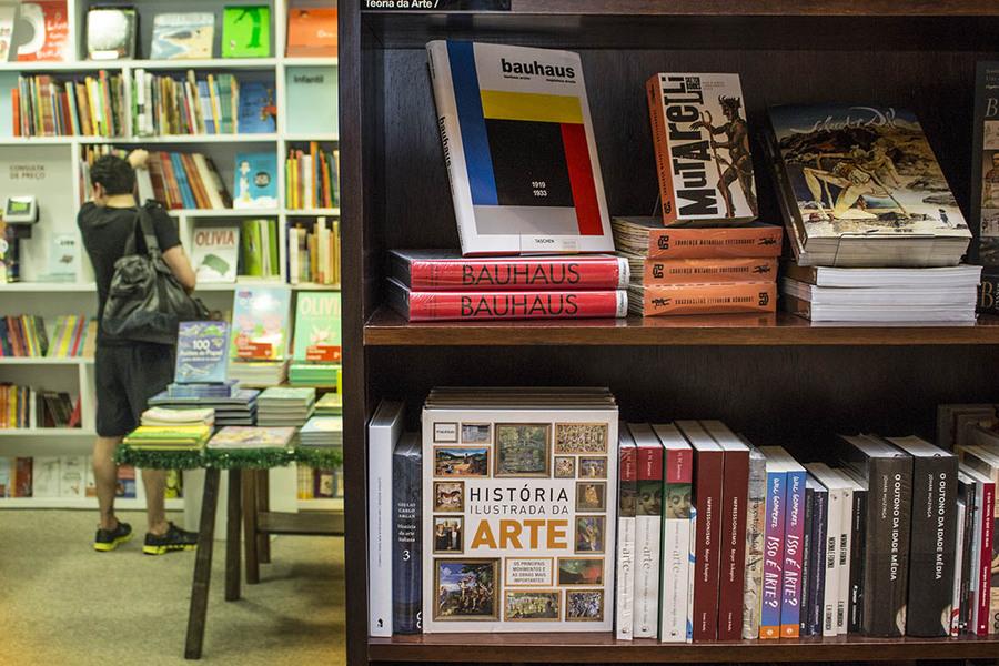 Livrarias baixam preço, mas nem assim consegue recuperar vendas em janeiro | © Alf Ribeiro - Shutterstock