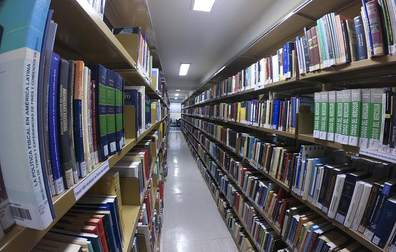 Confira os editais para compra de livros e de serviços gráficos disponíveis no Radar de Licitações da semana   © Roque de Sá - Agência Senado