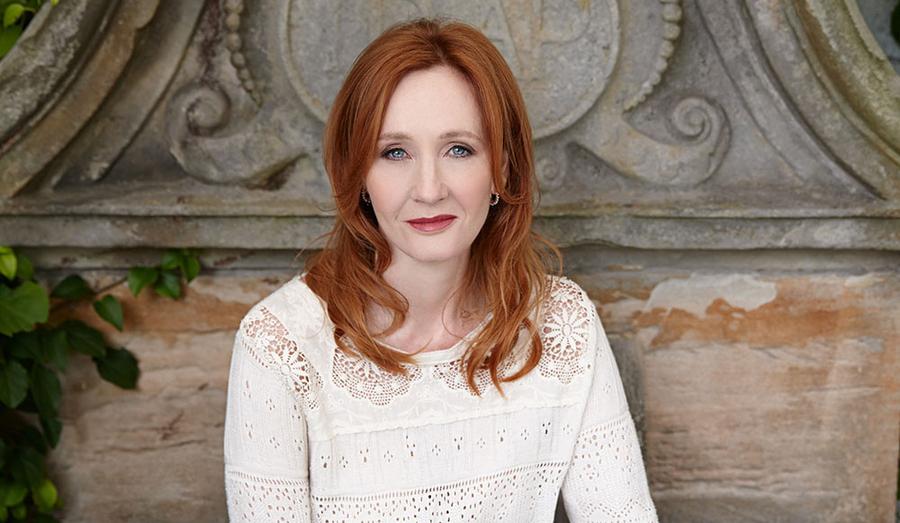 Infantil de J.K. Rowling terça lançamento mundial em outubro| © Debra Hurford Brown