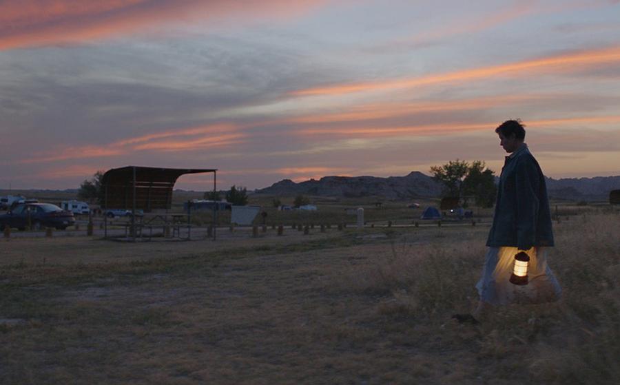 Atriz Frances McDormand em cena do filme 'Nomadland' | © Divulgação
