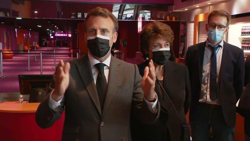 Emmanuel Macron quer unificar as tarifas postais de livros | © Reprodução / BFMTV