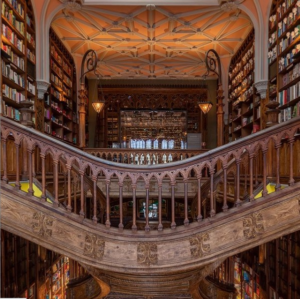 Livraria Lello concorre na categoria 'Livraria do Ano'   © Redes Sociais da livraria