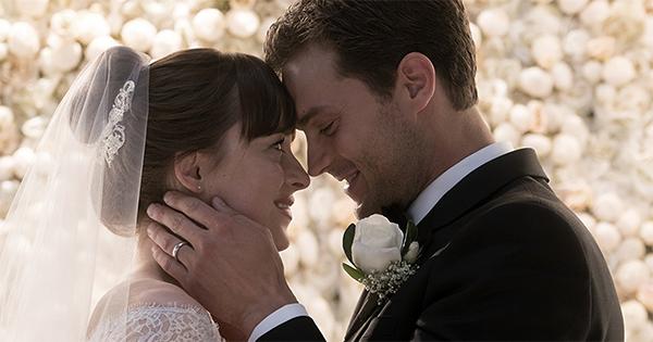 Vai dar em casamento! 'Livre' encerra a trilogia da história de Christian Grey e Anastasia Steele contada pela ótica dele | © Reprodução do filme