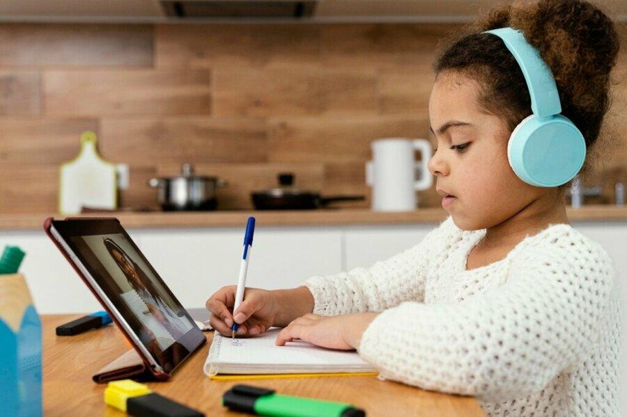 Estudo analisa o uso da tecnologia na educação | © Divulgação / BlinkLearning